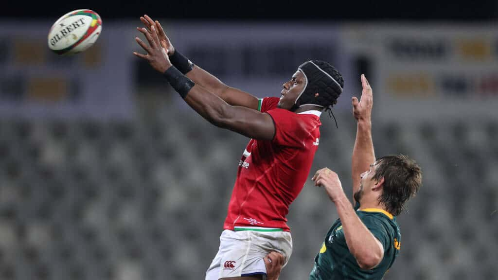 British and Irish Lion Maro Itoje wins a line out from South Africa's Eben Etzebeth