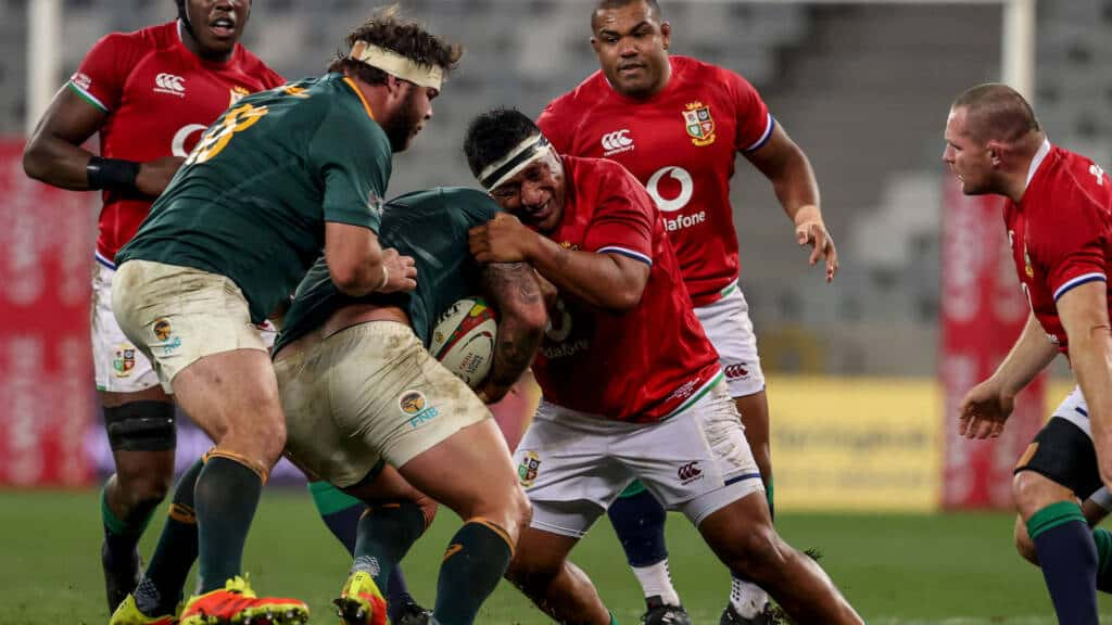 Mako Vunipola makes a tackle